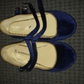 Велюровые туфельки,размер 29,стелька от края до края 18,5 см ,на широкую ногу