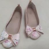Нежно розовые туфельки балетки с бантиком ,34 размердля девочки