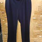 На шикарные формы! Классные плотные стрейчевые темно-синие брюки р.20 Акция читайте