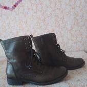 Шкіряні черевичкі бренда Tamaris,олівкові,р 40 ст 26 см