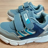 Качественные, лёгкие, стильные кроссовки для мальчиков.
