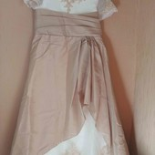 Праздничное платье на подростка  длина 124см