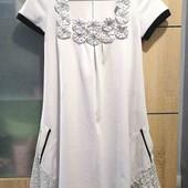 Симпатичное нежное платье, размер М