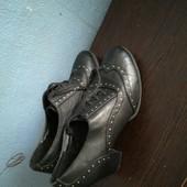 177. Туфлі