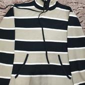 Интересный красивый свитерок с капюшоном на подростка!!!