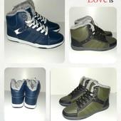 Новые Ботинки, удобные,практичные,на ноге смотрятся супер, размер36, 37,38,39,40,.евро зима