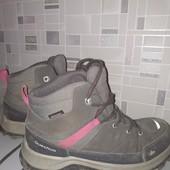 Классные, фирменные Деми ботинки Quechua! стелька 22см