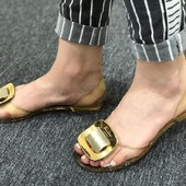Силиконовые босоножки с золотой бряшкой. 36-22.5 см