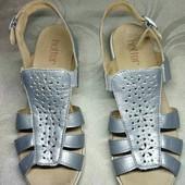 Кожаные серебряные босоножки.Hotter. 36-размер. 23,5 см.