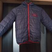 Демисезонная куртка. В очень хорошем состоянии.