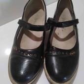 Школьные туфли .Размер 36.