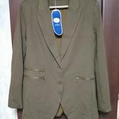 Фирменный новый трикотажный удлиненный пиджак р.16-20