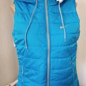 Новая женская жилетка найк 46 размер, очень классная!!! полномерная