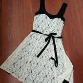 34-36рр. Нарядное двухслойное платье, трикотаж и гипюр