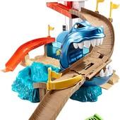 Трек Hot wheels color shifters Sharkport showdown з акулою, машинка міняє колір. Оригінал