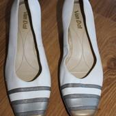 кожанные туфли Англия, Van dal , есть небольшой нюанс (на фото), стильные и удобные!