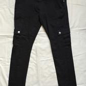Плотненькие джинсы в стиле кэжуал,на 13-14 лет,рост164 см
