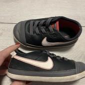 Кроссовки Nike оригинал 24 размер стелька 15 см