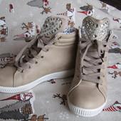 Демисезонные ботинки-сникерсы, со стразами, стелька 23,5