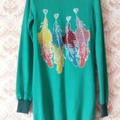 Красивый зелёный удлиненный тонкий свитерок , состояние нового длина 85