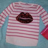 Шикарнейший модный свитерок с губками,на девочку от 12 лет