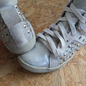 Фирменные ботинки Tamaris размер 39-длина стельки-25 см