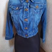 Классная укороченная джинсовая куртка. Состояние отличное!