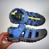 Crane-отличные сандалии, босоножки. Стелька 21,5 см. Размер 33