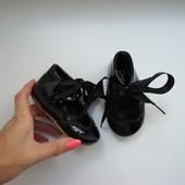 Нарядные лаковые туфельки Kelsi, стелька 13 см