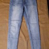 Светло-голубые джинсы для лета в отличном состоянии