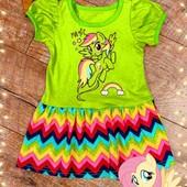 Классное яркое платьице с поничками девочкам на 2-3 годика