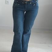 Женские джинсы в идеальном состоянии