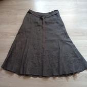 Фирменная красивая льняная юбка расшитая цветами в состоянии новой вещи р.12-14