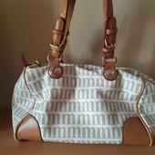 Красивая фирменная сумка Monnari.