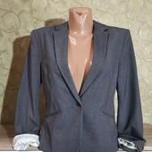 Собираем лоты!!! Женский стильный пиджак сотворотом на рукавах, размер 40/10