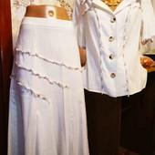 Очень нарядный костюм на пишную красу бренд от Carlo comberti ,р.52 смотрим замеры $$