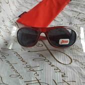 Круті сонцезахисні окуляри з чохлом! 1 лот- 1 комплект на вибір.                                   Ціна бліц