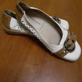 продам кожаные туфли,длина стельки 24см