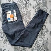 Шикарные джинсики с блестком от Esmara. В наличии размер 38 (евро).