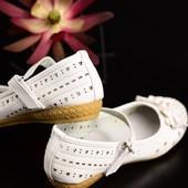 Красивые туфельки очень удобные, мягкие. 22см стелька