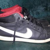 Кроссовки Nike 42 размер стелька 27см