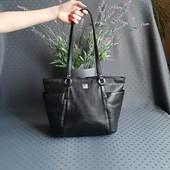 Кожаная красивая черная сумка фирмы pavini