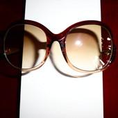 Солнцезащитные очки, оригинальное расположение дужки