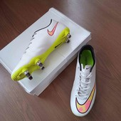 Бутси Nike. Розмір 40, устілки 25 см. В ідеалі.