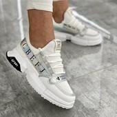 Стильные красивые кроссовочки!Очень легкие! Размеры 38,39(маломер на 2 размера)