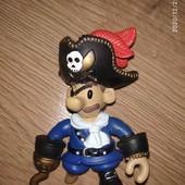 Пират фигурка