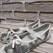 Детские туфли с перфорацией!