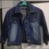 Стмльна джинсова куртка на 6-7 років
