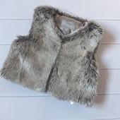 Классная меховая жилетка для девочки на 9-12 мес от Primark, состояние новой вещи