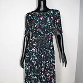 Качество! Стильное платье в мелкий цветочный принт от бренда John Rocha в новом состоянии